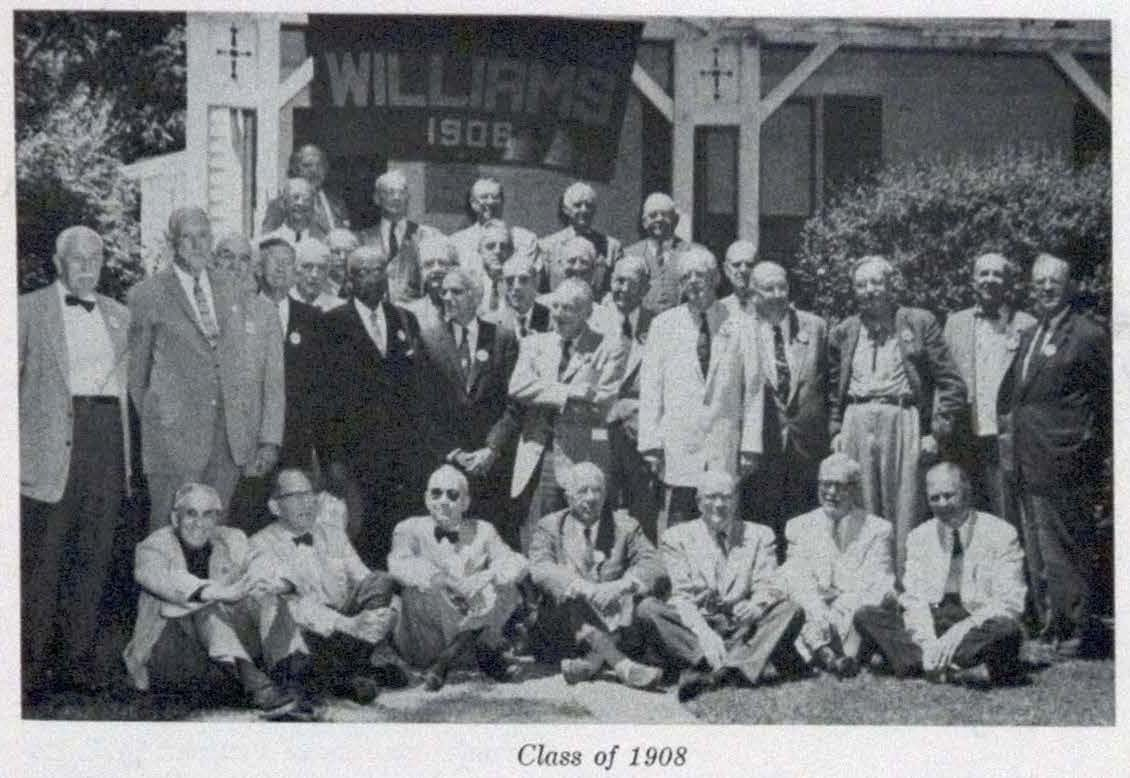 A black and white photo of the Williams class of 1908 at their 50th reunion.