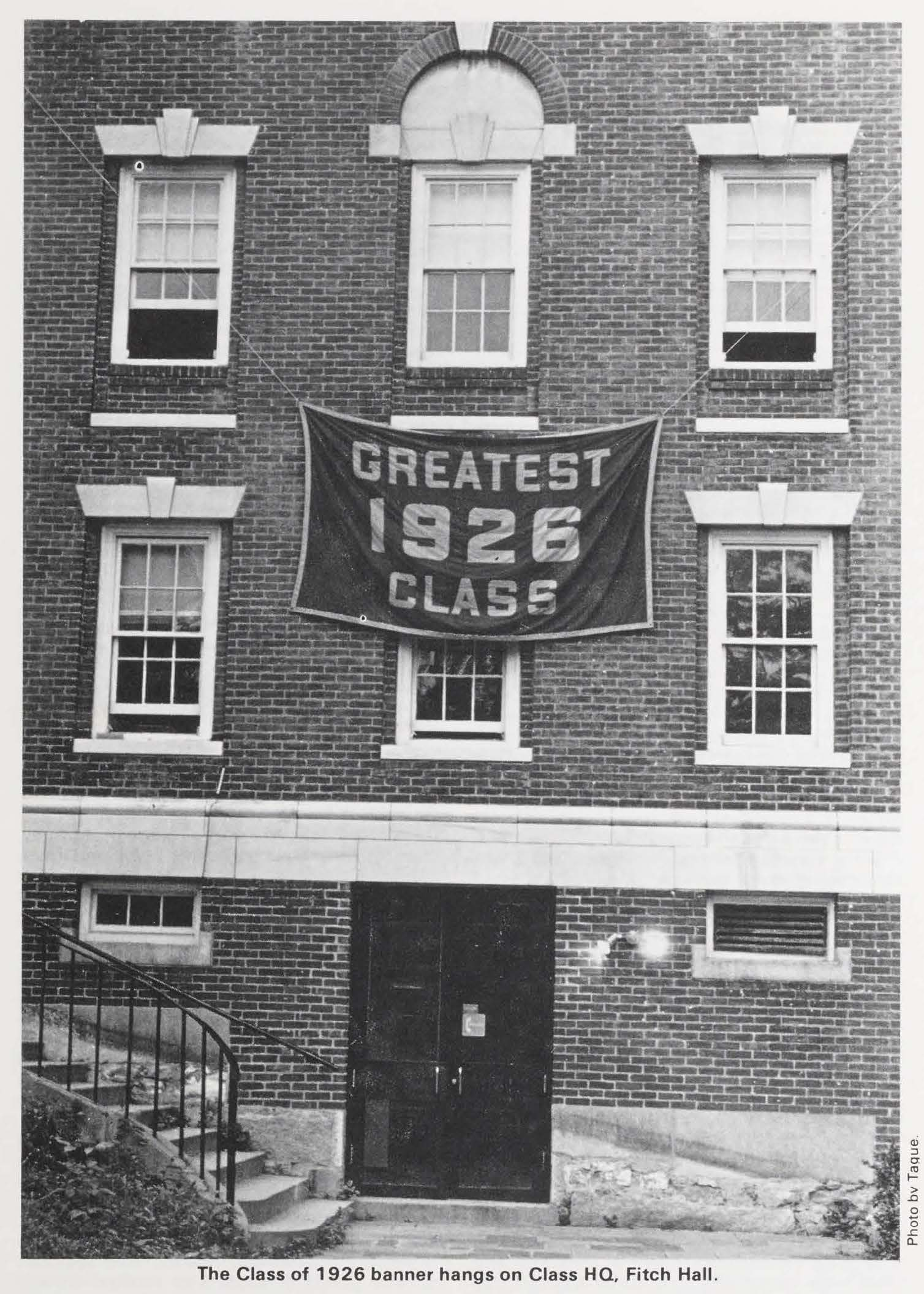 Alumni Review 1981 3 Summer - 1926 greatest class banner hangs on fitch hall