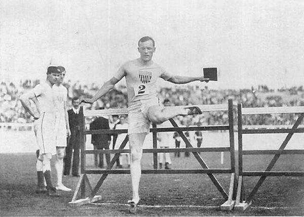 robert g leavitt, Williams Class of 1907, competing in the 110m hurdles.